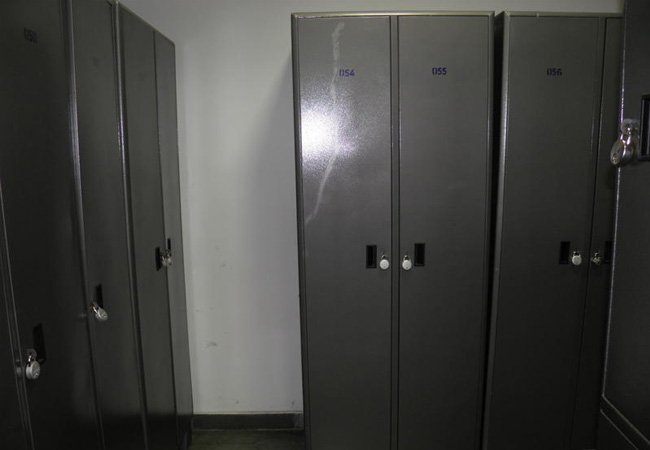 INDUSTRIAL LOCKERS, STORE WELL